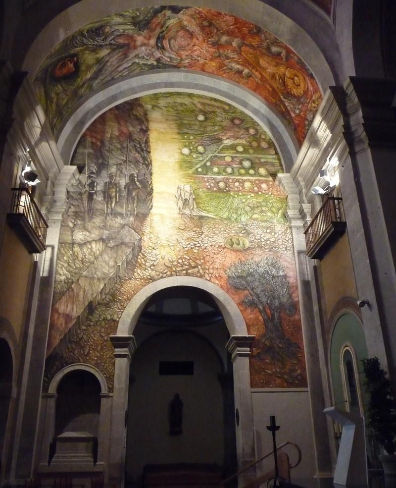 Fotos del fresc que Josep Minguell ha fet a església de Santa Maria de l'Alba de Tàrrega. FOTOS DAVID MARíN